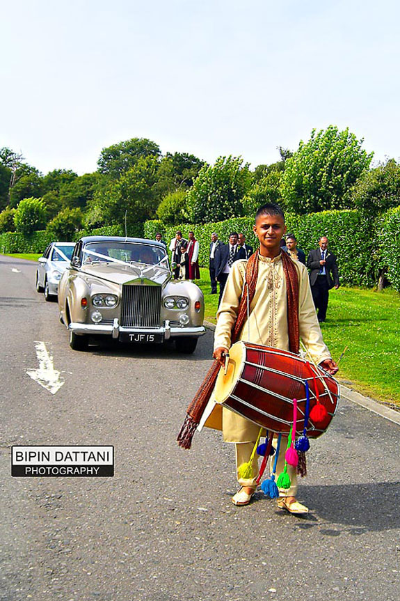wedding-dhol-player