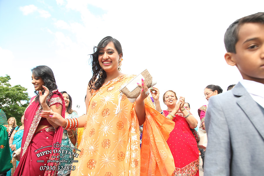 Asian-Wedding-Photography-London-Portfolio-Image1-Marriott-Grosvenor Square-W1K 6JP