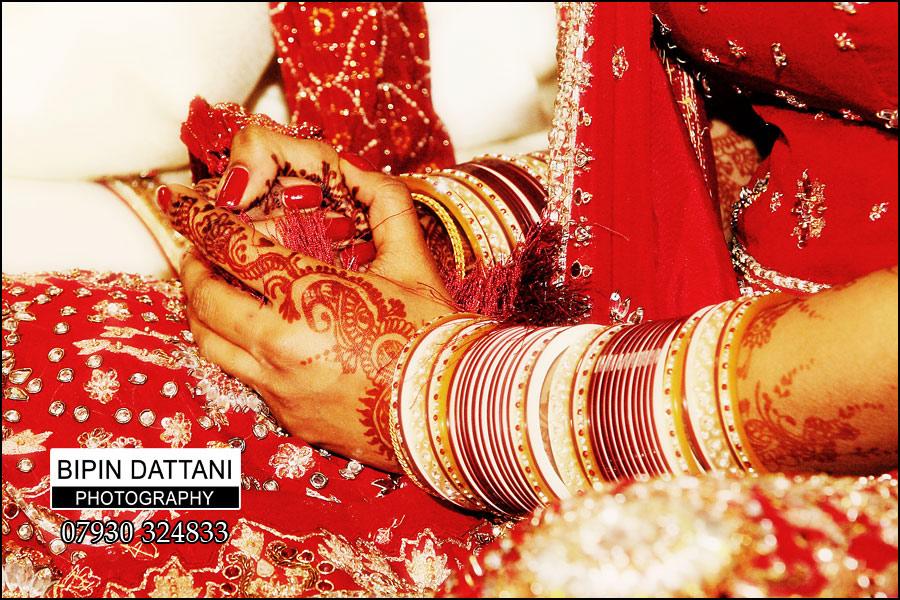 Asian Sikh wedding photographer at Gurdwara in Southall, London