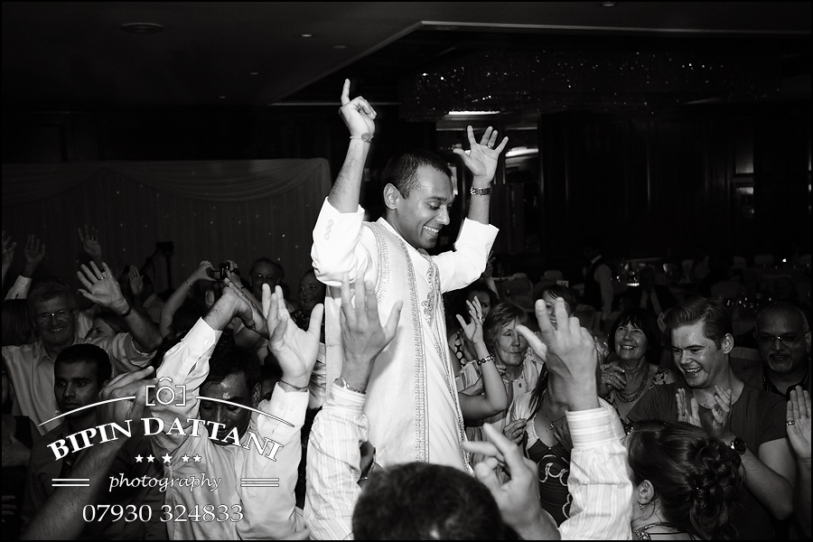 Radisson Blu Edwardian Heathrow asian wedding photography services