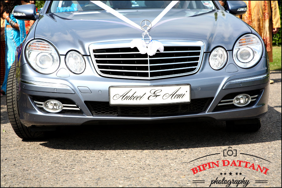 arrival of hindu groom wedding car