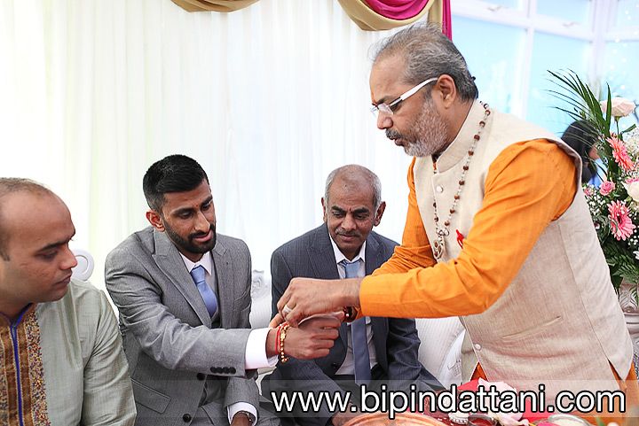 indian priest in London, hindu priest name Nityananda Shastri of Wembley