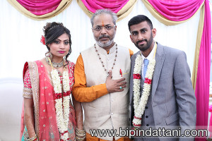 indian priest in London, Nityananda Shastri is name of hindu priest