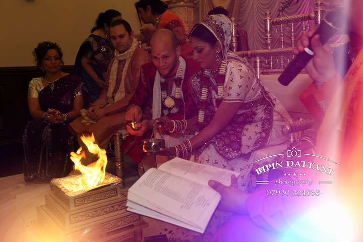 agni fire ceremony during indian wedding day