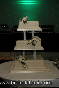 classic white wedding cakes with flowers