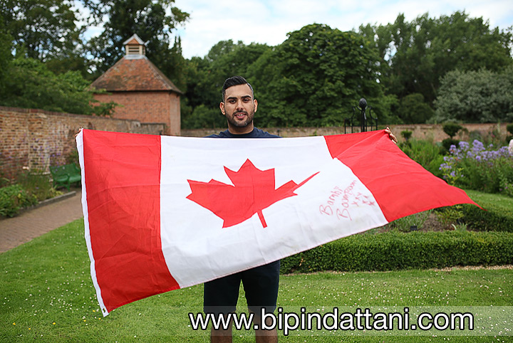 Asian Pre Wedding Shoot With Canadian Flag Ideas
