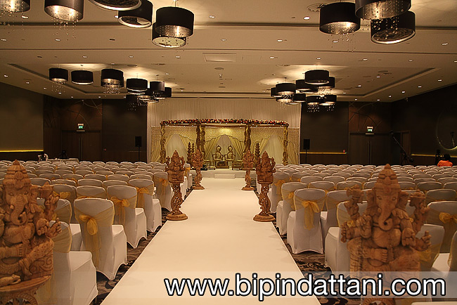 Gayatri Curved Wooden Mandap at Wembley Hilton UK