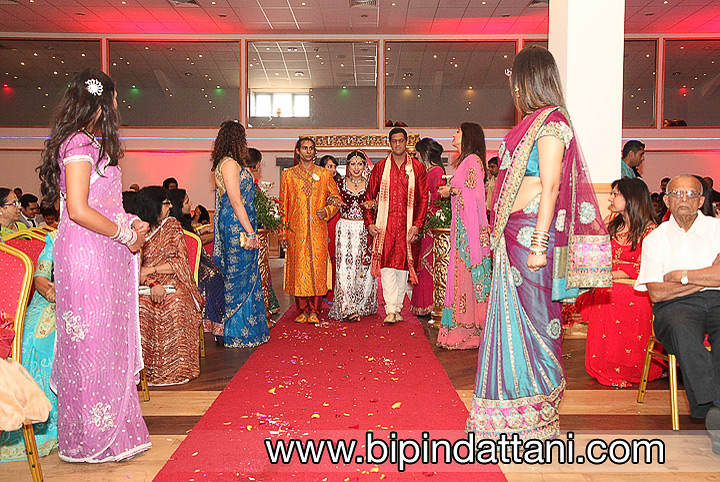 indian wedding photography Leicester by Bipin Dattani indian wedding photographer from london