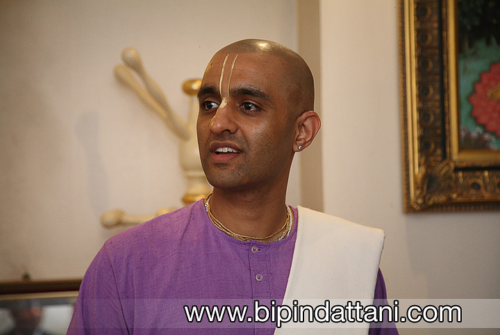 Sundar Madhava Das Hare krishna temple priest