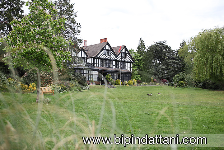 Bhaktivedanta Manor hare krishna temple watford photo