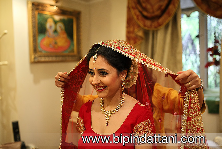indian wedding photographer's bridal getting ready shoot at  hare krishna temple watford