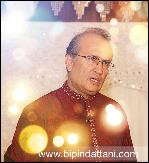 raju pandya hindu priest at a london uk wedding ceremony