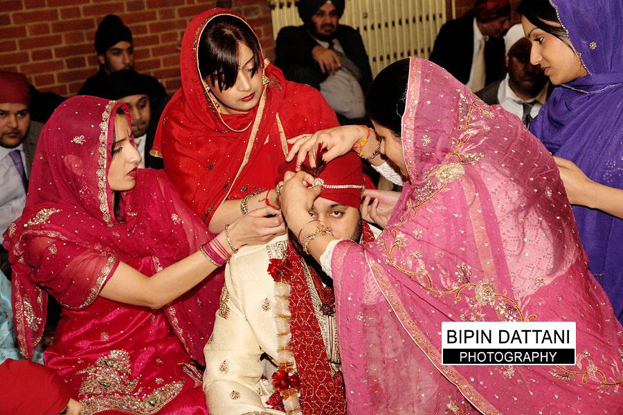 natural wedding shutterbug photos at indian sikh wedding in London