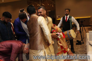 clever ways to steal the groom's shoes at an Indian wedding