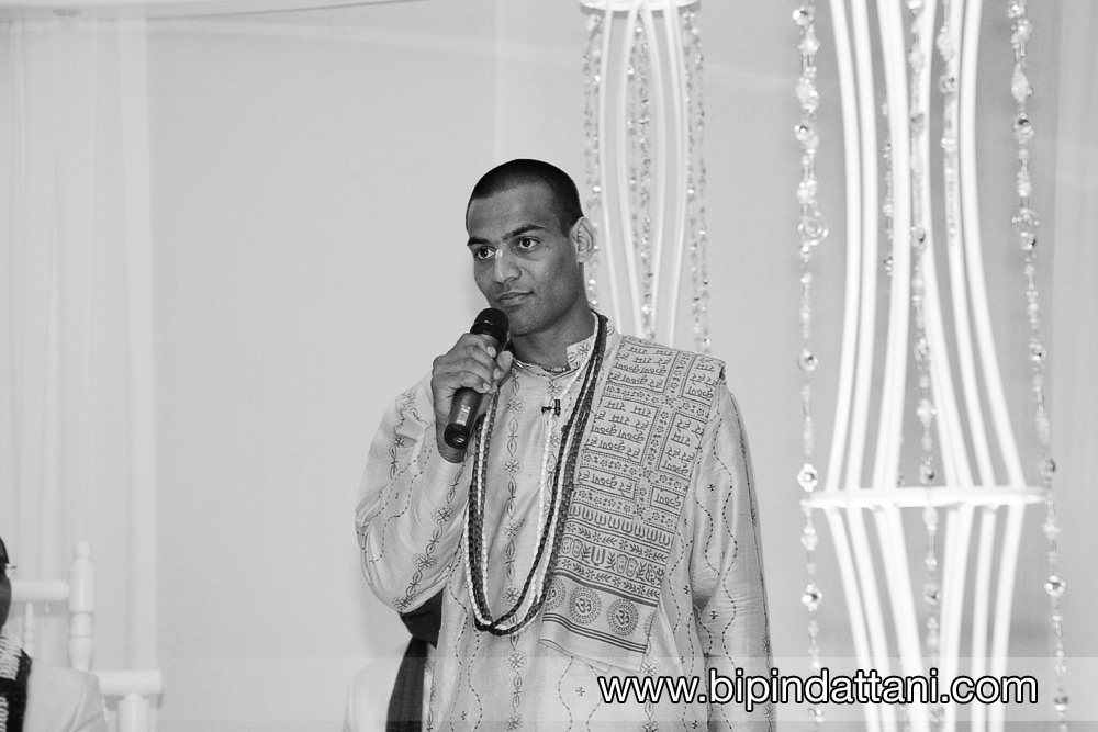 kamal pandey popular indian wedding priest