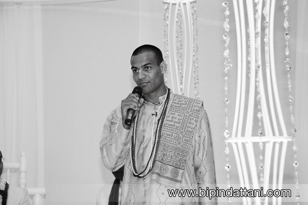 kamal pandey popular indian wedding priest