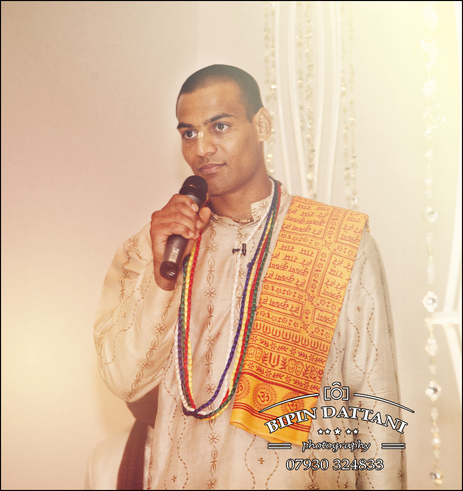 Kamal Pandey Hindu Priest at Indian Wedding in London