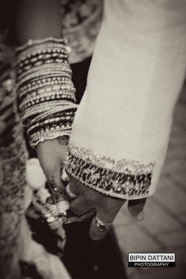 creative photo of hindu couple holding hands for mangal fera