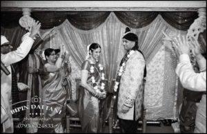 Tamil wedding photography anjali + priyank phera ritual in B&W