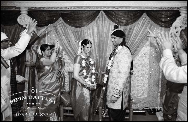 Tamil wedding photography anjali + priyank phera ritual in B&W