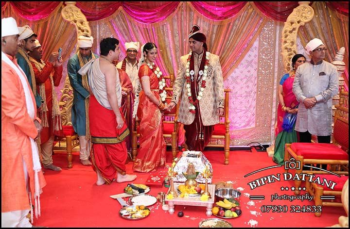 Tamil wedding photography anjali + priyank phera ritual