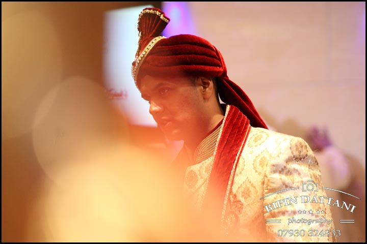 artistic Tamil wedding photography London at Tamil Hindu wedding ceremony