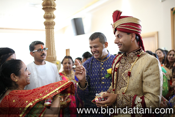 gujarati wedding candid photography of groom's entrance