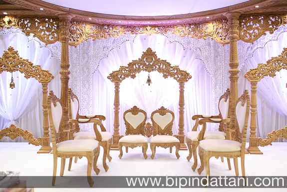 simple indian wedding decoration ideas with white backdrop work perfect for Indian Wedding Decoration Photography