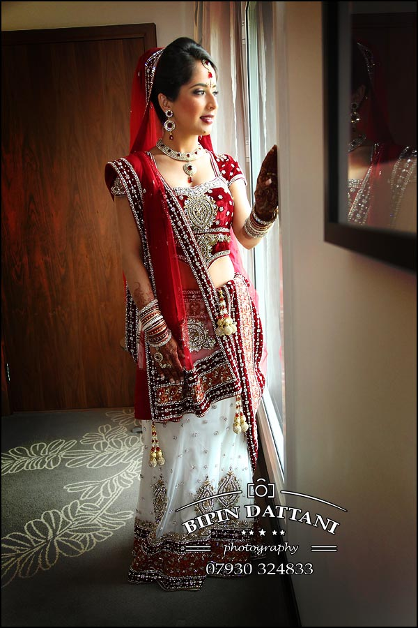 brides portrait at hilton t5 indian wedding