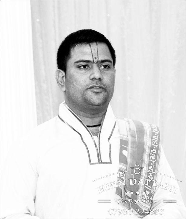 Ravi Shastri english speaking hindu priest london hilton parklane wedding
